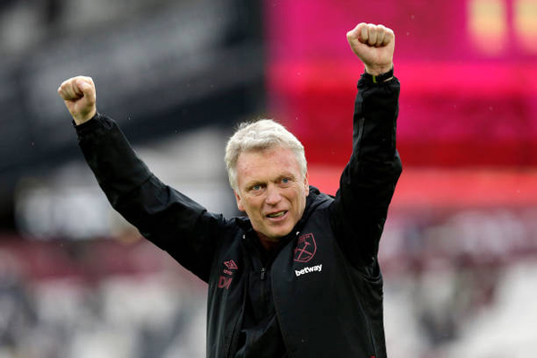 david-moyes-manager-of-west-ham-united-acknowledges-the-fans.jpg